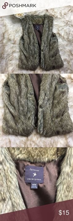 F21 Faux Fur Vest In great condition, only worn once & no stains or holes. Perfect for Fall/Winter wardrobe! Forever 21 Jackets & Coats Vests