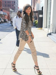 Love this outfit, simple but classy…and her HAIR