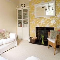 Gemütliches Wohnzimmer mit floralen Tapeten Wohnideen Living Ideas Interiors Decoration