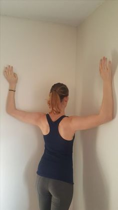 Improve posture with this simple technique. Alleviate back pain. Use a back brace to achieve the perfect posture. Live a life free of back pain. Natural Posture's infromation on posture improvement and correction. Fitness Workouts, Yoga Fitness, Fitness Tips, Kyphosis Exercises, Neck Exercises, Shoulder Mobility Exercises, Neck And Shoulder Stretches, Scoliosis Exercises, Neck And Shoulder Pain