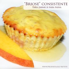 Briose consistente fara zahar si fara faina Gluten Free Deserts, Sugar Free Desserts, Baby Food Recipes, Sweet Recipes, Cake Recipes, Easy Sweets, Healthy Sweets, Sin Gluten, Good Food
