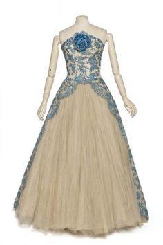 robe du soir | Centre de documentation des musées - Les Arts Décoratifs