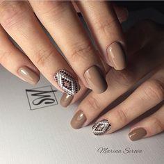 Дизайн ногтей с узором, Идеи однотонного маникюра, Идеи осеннего дизайна ногтей, Коричневый маникюр, Красивый осенний маникюр, Маникюр коричневого цвета, Маникюр на квадратные ногти, Маникюр на средние ногти