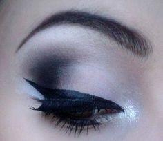 Classic White & Black Eyeshadow