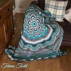 Crochet Mandala Pattern, Granny Square Crochet Pattern, Crochet Squares, Crochet Granny, Knit Crochet, Crochet Humor, Crochet Circles, Irish Crochet, Mandala Blanket