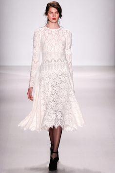 8 Tadashi Shoji | Fall 2014 Ready-to-Wear Collection | Style.com