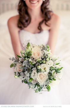 Pretty bouquet | Photo: Tasha Seccombe