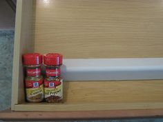 Fake-It Frugal: In-Drawer Spice Organizer...FREE! This will be happening before thanksgiving....3 days to get it dome