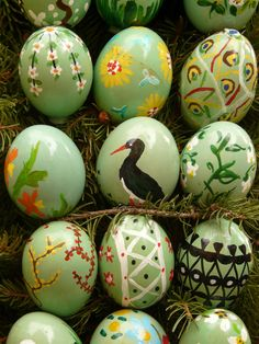Naturally Dyed Easter Eggs ~ Make your own Easter egg dyes from everyday fruits, vegetable, herbs, and spices.