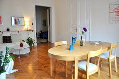 Ganhe uma noite no Bright+Spacious Apt in the Avenue - Apartamentos para Alugar em Budapeste no Airbnb!