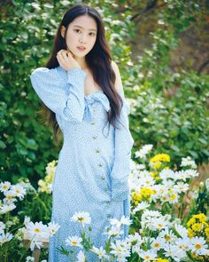 Jiho 🥳 by × 🔅 My Girl Lyrics, Jiho Oh My Girl, Girl Pictures, Girl Photos, Pretty Asian Girl, Pretty Girls, Girls Season, Girl Standing