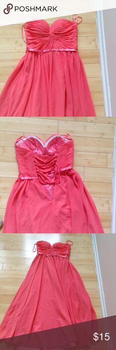 Flowy pink corset prom/bridesmaid dress Worn once to a wedding.  Tight on top.  Loose below bust.  Not Jovani;  just used for exposure. Jovani Dresses Wedding