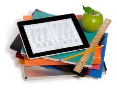 """Ginge es nach Apple, gehörte das iPad so sicher in den Schulranzen wie das Pausenbrot. In den Niederlanden findet an speziellen """"Steve-Jobs-Schulen"""" sogar bereits ein vitueller Unterricht via iPad statt. An deutschen Schulen sieht es derzeit noch anders aus. Wir sprachen mit Lehrern und Projektverantwortlichen an Bildungseinrichtungen über Mittel und Möglichkeiten mit dem iPad in der Schule."""