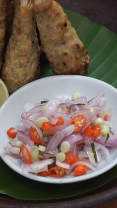 Sambal matah adalah salah satu sambal khas Indonesia yang berasal dari Bali. Sambal ini tidak mengalami proses masak dengan api. Hanya iris-mengiris semua bahan lalu campur dan beri sedikit minyak kelapa serta di bumbui dengan sedikit garam dan di beri perasan jeruk nipis.