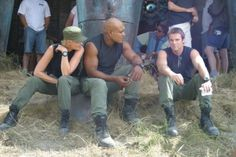 Stargate SG-1. Oh, Lord, do I miss this show...