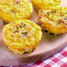 Estos pastelillos de patata y puerros se pueden servir como guarnición de carnes o huevos... Si los preparas con puré de patatas de paquete es más rápido .