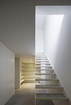 Gallery of House in Bonfim / AZO. Sequeira Arquitectos Associados - 14