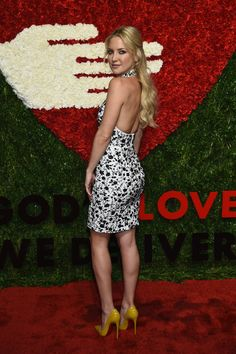 Kate Hudson and her pert booty and fabulous legs | Best Celebrity Legs in High Heels