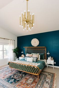 Home Interior Styles green velvet bedding with a teal wall.Home Interior Styles green velvet bedding with a teal wall Teal Bedroom Decor, Bedroom Green, Home Bedroom, Bedroom Ideas, Green Bedrooms, Teal Bedroom Walls, Bedroom Designs, Modern Bedroom, Dark Teal Bedroom