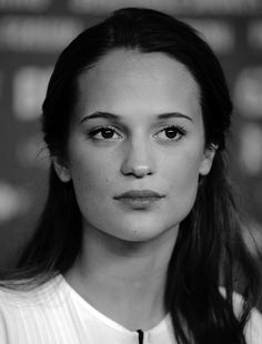 alicia vikander daily
