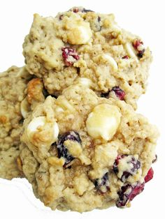 Oatmeal White Chocolate Cookies with Craisins.