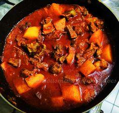 Tamarind Recipes, Goan Recipes, Veg Recipes, Indian Food Recipes, Ethnic Recipes, Chicken Vindaloo Recipe, Homemade Curry, Beef Curry, Potato Curry