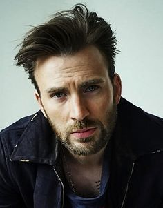 I post Captain America & all things Chris Evans. Here you will find daily updates including photos, videos, appearances, and all things Chris. Chris Evans Beard, Chris Evans Funny, Robert Evans, Capitan America Chris Evans, Chris Evans Captain America, Steven Grant Rogers, Steve Rogers, Logan Lerman, Shia Labeouf