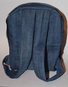 Auf folgende Seite erkennen Sie, wie kann man einen Rucksack aus Jeans selber nähen. Die Anleitung ist auch dabei. Schauen Sie mal an!