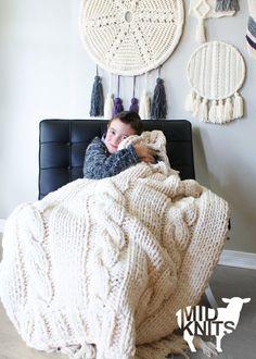DIY Knitting PATTERN  Triple Cable Throw Blanket / Rug por Midknits