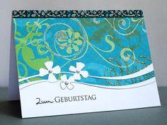 blog.karten-kunst.de - Floraler Geburtstag. Poppy Stamps Stanzschablone Petal Ribbon, Karten-Kunst Clear Stamp Kombi-Set Grüße