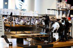 Ekspres do kawy w kawiarni Qualia Caffe w Szczecinie