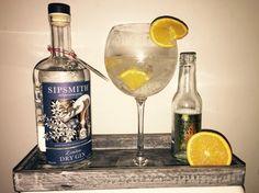 Sipsmith gin met fever tree tonic, steranijs, kaneel en orange