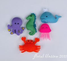 PDF Pattern: Sea Creatures Felt Finger Puppets. Floral blossom via Etsy.
