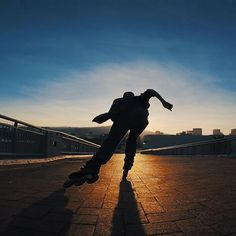 Roller Skating, Ice Skating, Sport Photography, Photography Poses, Aggressive Inline Skates, Jet Set Radio, Photo Effects, Skateboard, Cool Photos