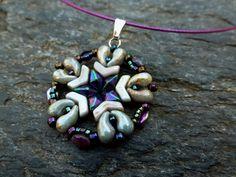 Arrow® - Bijoux Components - Svět korálků Arrow, Beaded Necklace, Pendants, Necklace Ideas, Beads, Beadwork, Earrings, Tutorials, Jewelry
