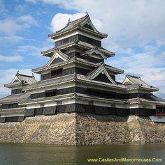 "Matsumoto Castle, (""Crow Castle""), Matsumoto, Nagano Prefecture near Tokyo, Japan - www.castlesandmanorhouses.com"