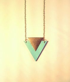 Mint wooden necklace