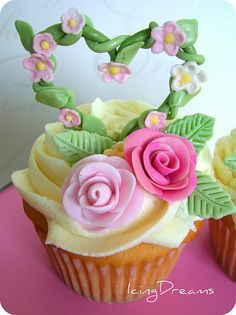 Beautiful floral cupcake... perfect for a garden party!