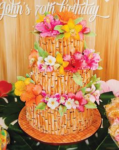 Surf's Up! Tropical Hawaiian Birthday Party // Hostess with the Mostess® Hawaiian Birthday, Luau Birthday, Hawaiian Luau, Hawaiian Flowers, 26th Birthday, Birthday Ideas, Luau Cakes, Hawaian Party, Luau Theme Party