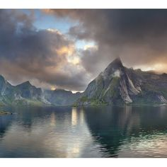 Viaje a las islas Lofoten y Svalbard. Snow And Rock, Lofoten Islands Norway, Image Stitching, Landscaping Images, Panoramic Images, What A Wonderful World, Beautiful Sunset, Wonders Of The World, Around The Worlds