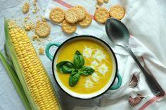 Słoneczna zupa krem z kukurydzy - szybka i pożywna. Niezawodny sposób na zatrzymanie najpiękniejszych wspomnień lata przez cały rok. Sprawdź przepis! Cantaloupe, Food And Drink, Vegan, Fruit, Vegetables, Blog, Vegetable Recipes, Blogging, Vegans