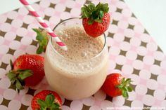 """Strawberry Smoothie with """"Raw-Fit"""" from Garden of Life...raw, vegan, gluten-free, organic, dairy-free, soy-free and 28 g of protein"""