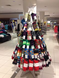 Christmas Merch display -happy socks
