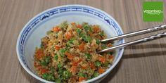 """Unsere """"Low-Carb""""-Alternative zum gebratenen Reis vom Asia Imbiss. Veganer gebratener """"Reis"""" aus Blumenkohl mit Gemüse. #vegan"""