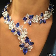 A fashionable diamond and sapphire necklace by Lorraine Schwartz