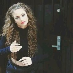 miss ditto Curled Hairstyles, Pretty Hairstyles, Dytto Dancer, Hair Inspo, Hair Inspiration, Dreads, Brown Blonde Hair, Hair Color And Cut, Long Curly Hair