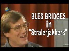 """Bles Bridges in """"Stralerjakkers – om die mikrofoon"""" (Maandag 27 Maart 2000 om Bridges, Om, Music, Youtube, Bridge, Muziek, Music Activities, Youtubers, Musik"""