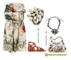 Outfit molto colorato e casual con accessori particolari