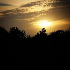 Solnedgang over Brylle #visitfyn #fyn #nature #nature_perfection #mast #nofilter #natur #denmark #tv2vejret #tv2 #landscape #assensnatur #assens #mitassens #vildmedfyn #fynerfin #vielskernaturen #visitassens #instapic #september #sunset