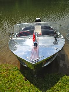 This is a Cadillac Boat Company History Wooden Speed Boats, Wooden Boats, Classic Boats For Sale, Small Boats For Sale, Cadillac, Ski Nautique, Cruiser Boat, Boat Companies, Runabout Boat
